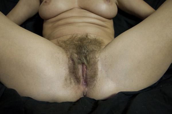 Belle foufoune poilue de mature bordelaise